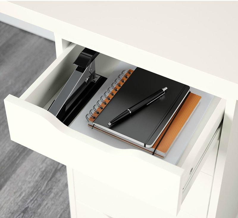 Sắp xếp vật dụng trong ngăn kéo bàn làm việc